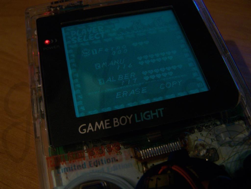 695game_boy_light_3.jpg